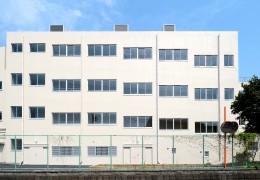 2.スロープ棟外観(西面)